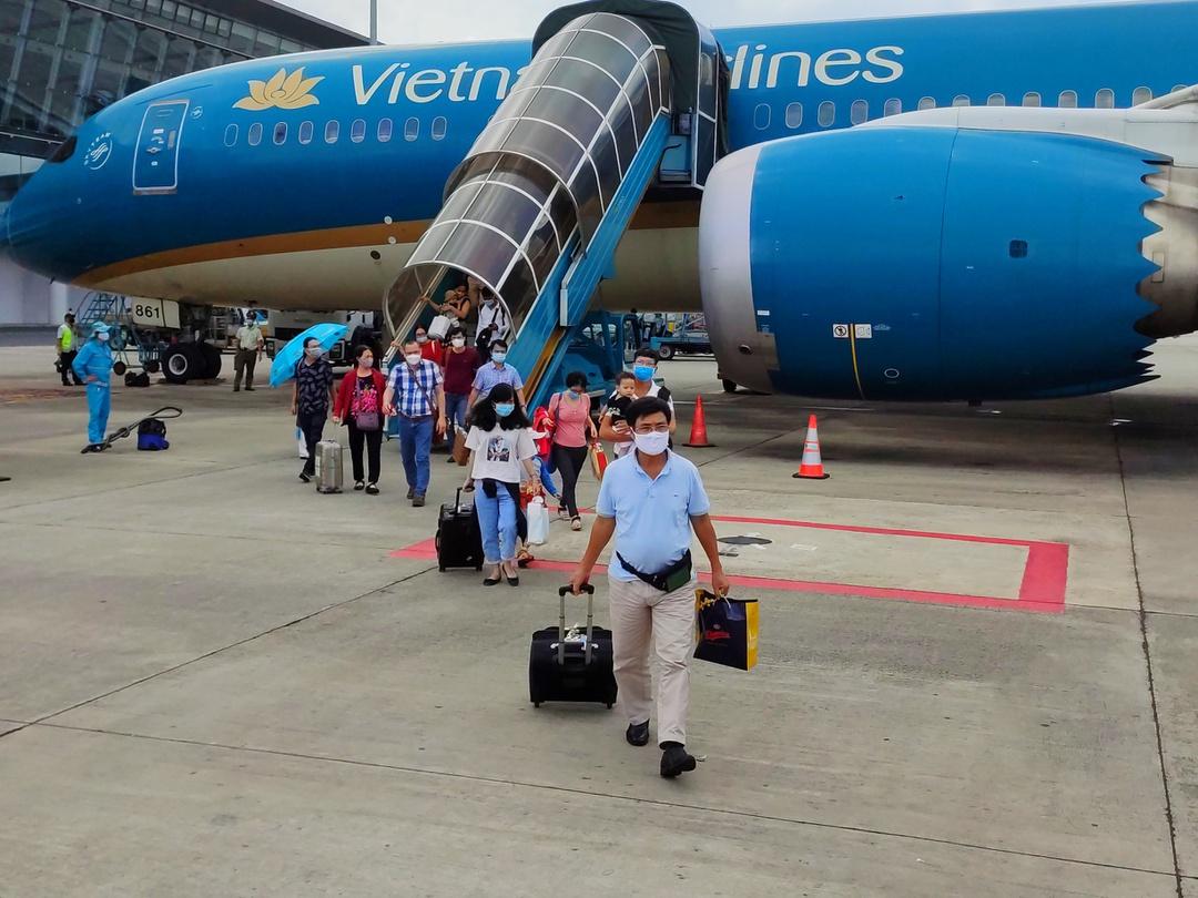 Vé máy bay rẻ 'chưa từng có'   Tài chính - Kinh doanh   Thanh Niên